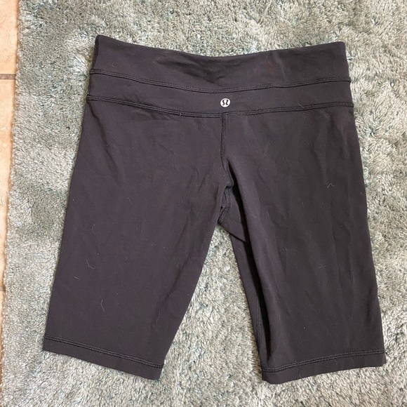 lululemon athletica Pants - lulu lemon biker shorts!